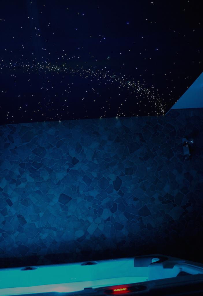 LED-Sterren-plafond-fiber-verlichting-ideeen-wooninspiratie-luxe-slaapkamer-mooiste-interieur