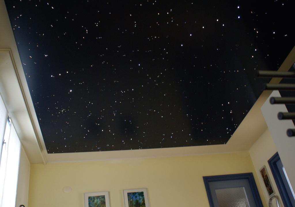 plafond ciel toil chambre led fibre optique mycosmos. Black Bedroom Furniture Sets. Home Design Ideas