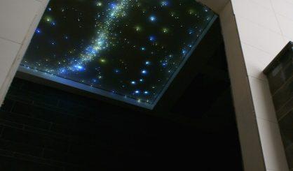 LED sterrenhemel verlichting badkamer plafond valende sterren melkweg MyCosmos luxe ideeen exclusief voorbeelden