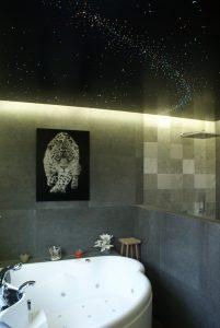 mooie plafonds verlaagd badkamer voorbeelden Luxe badkamers plafond design sterrenhemel melkweg verlichting LED ideeen grote beer sterrenbeeld vallende sterren