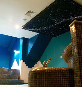 sterrenhemel plafond verlichting luxe badkamer ideeen voorbeelden inspiratie spa wellness resort sauna prive zwembad