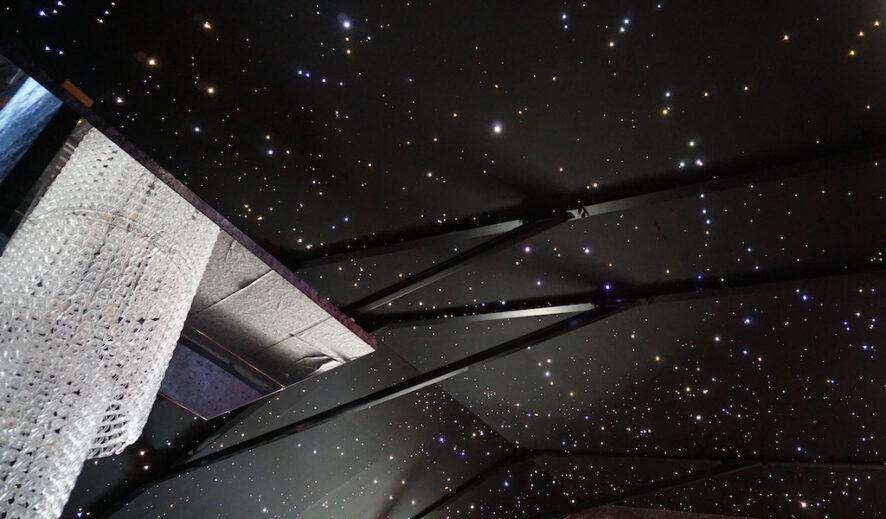 sterrenhemel plafond verlichting led luxe restaurant voorbeeld afbeeldingJPG
