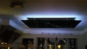 Sterrenhemel verlichting plafond LED Glasvezel sterrenplafond keuken slaapkamer huiskamer sauna spa welness sfeer luxe interieur design Fiber optic star ceiling panels LED shooting stars kitchen