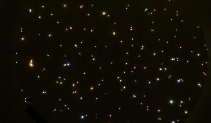 sterrenhemel plafond verlichting led glasvezel slaapkamer badkamer romantisch ideen voorbeeld luxe suite mycosmos