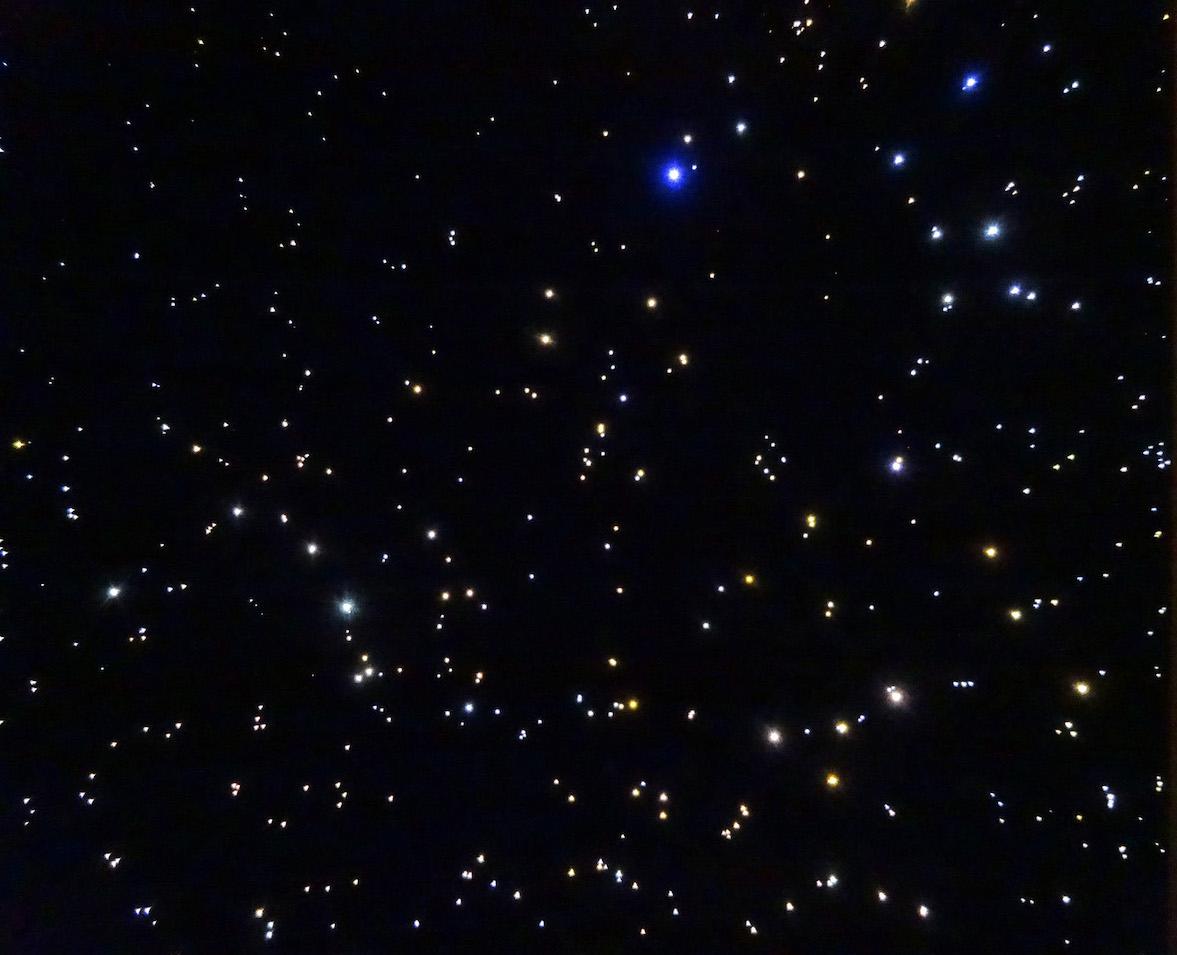 Sterrenhemel plafond verlichting LED glasvezel slaapkamer romantisch ideen constellaties voorbeelden afbeeldingen mycosmos