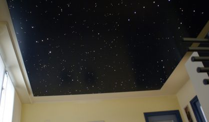 Sterrenhemel plafond verlichting LED glasvezel slaapkamer romantisch ideen voorbeelden afbeeldingen