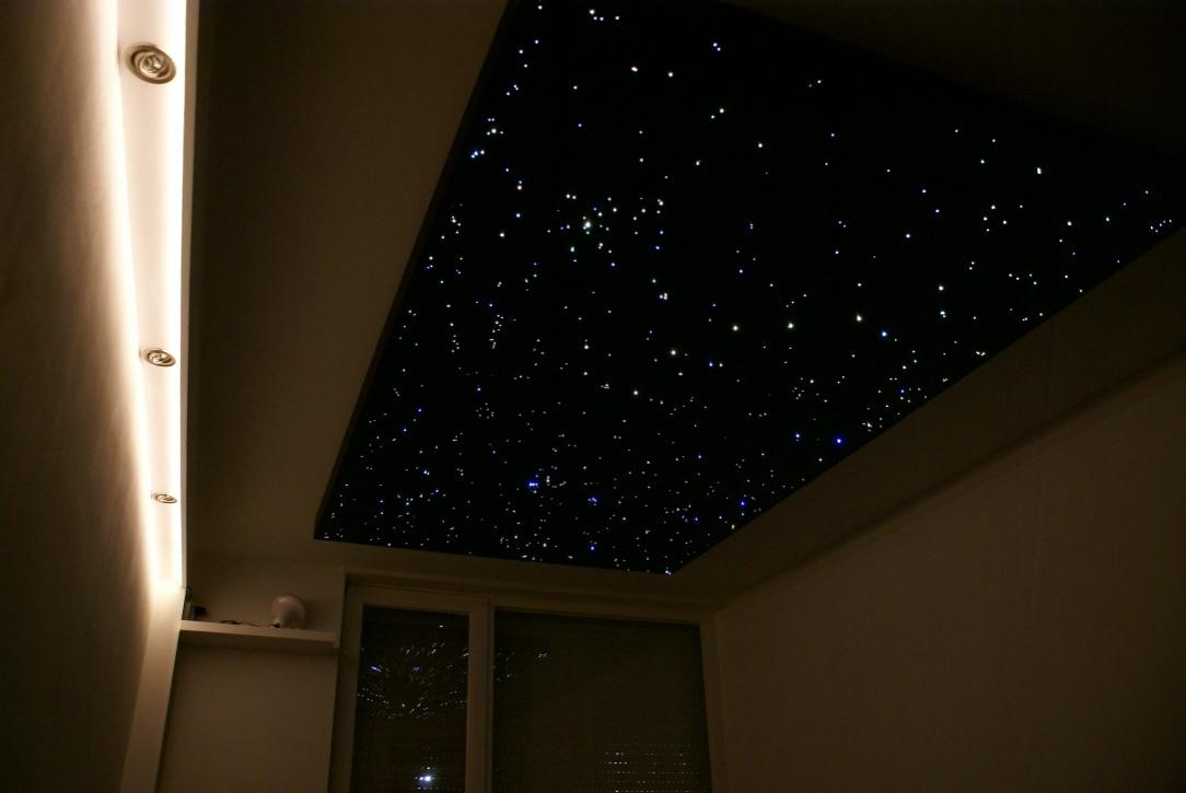Ciel toil chambre led et fibre optique plafond mycosmos - Plafond etoile fibre optique ...