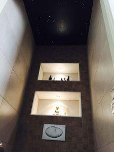 plafond étoilé ciel fibre optic led toilettes wc salle de bain sauna spa etoiler eclairage design indirecte