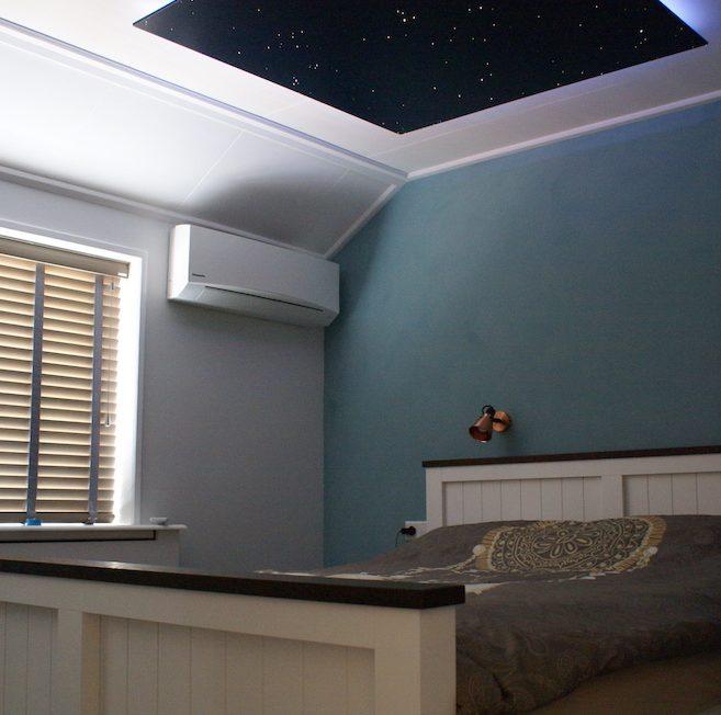 chambre ciel toil chambre led fibres optiques mycosmos. Black Bedroom Furniture Sets. Home Design Ideas