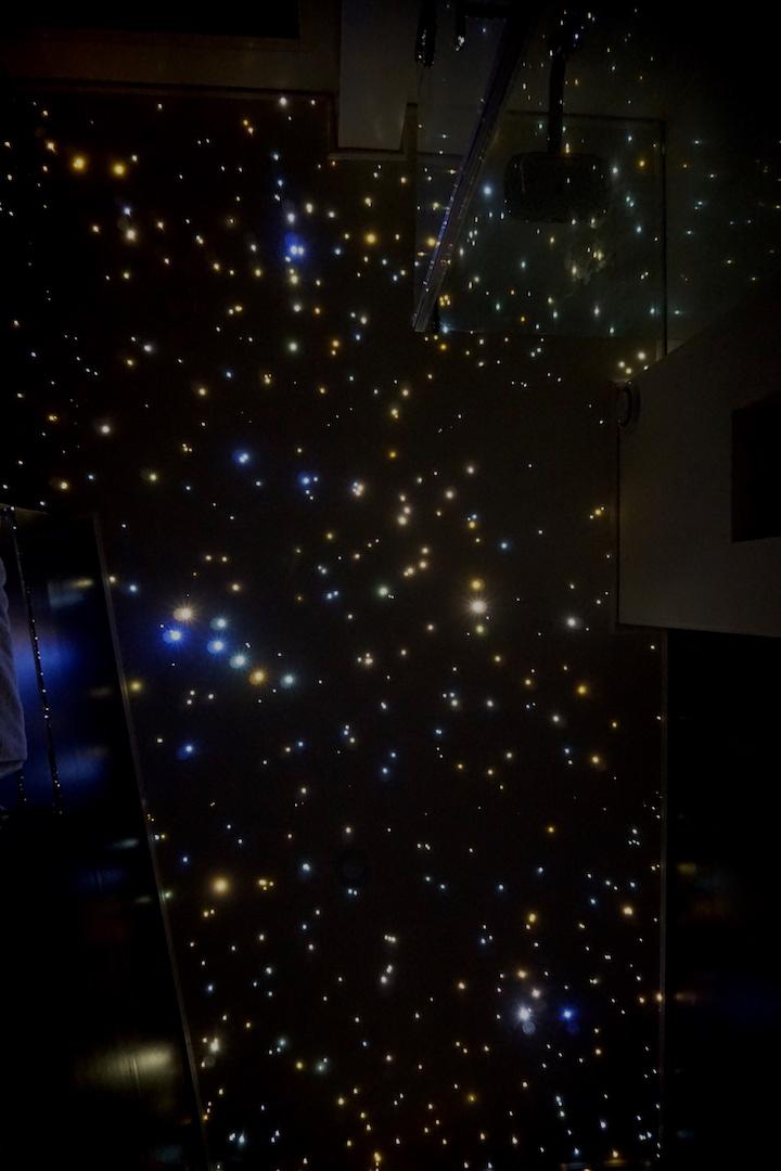 MyCosmos ciel étoilé salle de bain plafond chambre fibre optic led etoile spa jaccuzi photos image etoilé etoile
