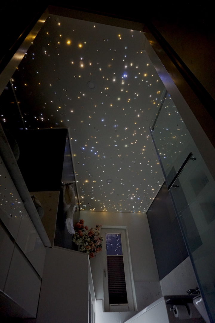 MyCosmos sternenhimmel badezimmer led beleuchtung glasfaser decke milchstraße kaufen fur mit licht lampe schlafzimmer sternschnuppe mycosmos sauna luxus