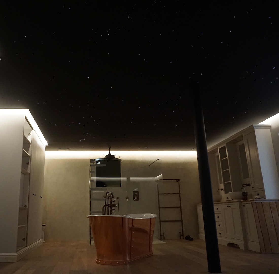 mycosmos plafond ciel étoilé fibre optic led chambre etoile étoile salle de bain sauna spa luxe voies lactées photos image