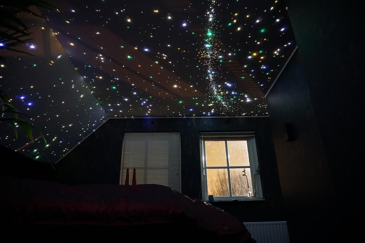 sterrenhemel verlichting plafond led glasvezel mycosmos melkweg slaapkamer onder de sterren hemel design luxe