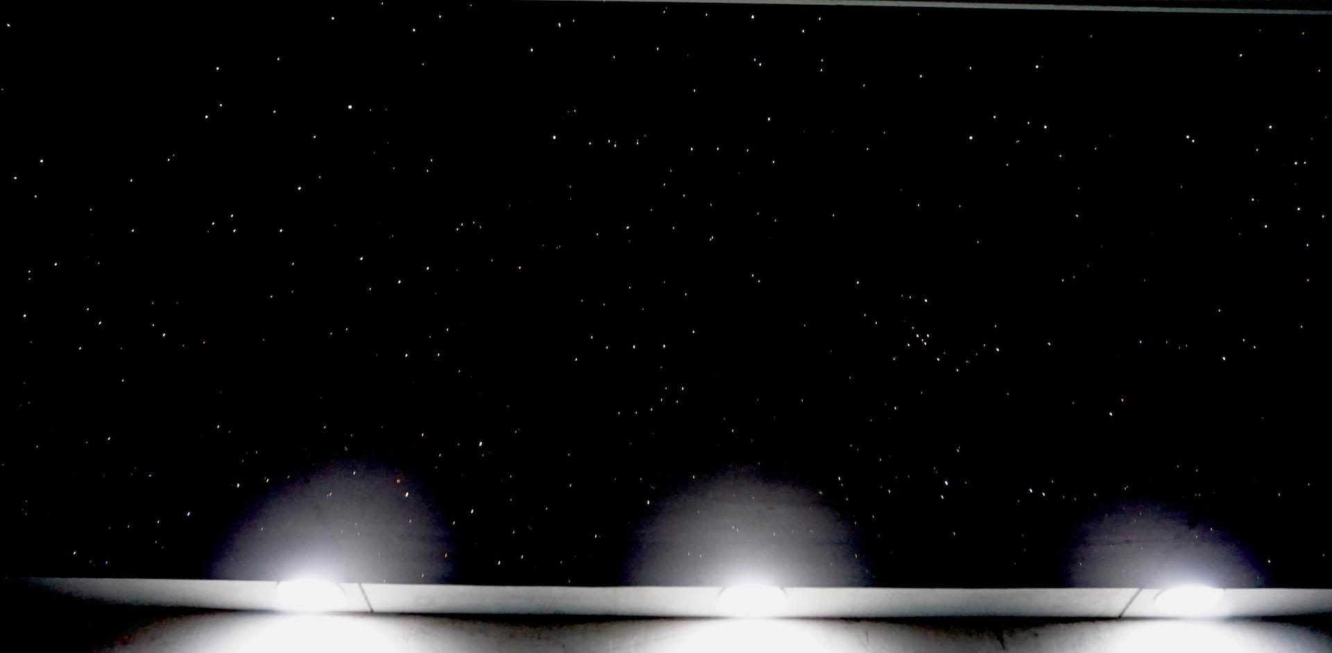 plafond étoilé ciel etoile fibre optic led chambre salle de bain sauna spa piscine mycosmos voies lactées etoiler etoiles filantes voie lactee photos image