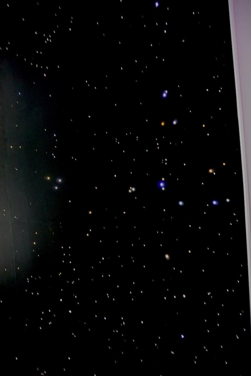 plafond étoilé piscine chambre ciel etoile fibre optic led salle de bain sauna spa mycosmos voies lactées etoiler etoiles filantes voie lactee photos image