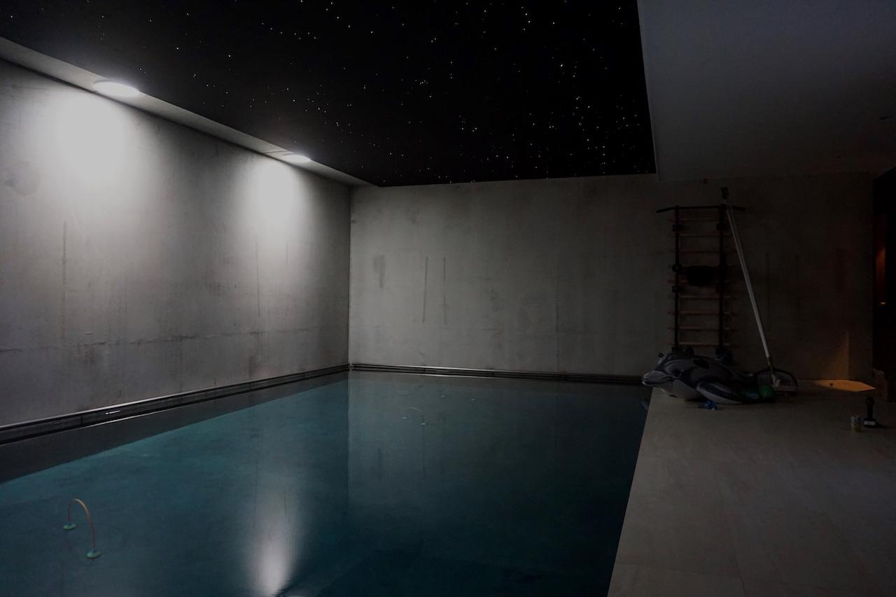 plafond piscine ciel étoilé etoile fibre optic led salle de bain sauna spa chambre mycosmos voies lactées etoiler etoiles filantes voie lactee photos image